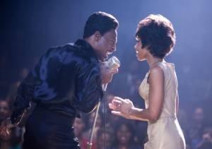 Eddi Murphu en Beyoncé Knowles op het podium in Dreamgirls