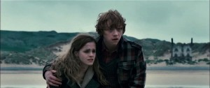 Rupert Grint (Ron Weasley) en Emma Watson (Hermione Granger) in Harry Potter and the Deathly Hallows: Part I