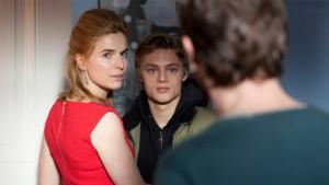 Thekla Reuten (Claire), Jonas Smulders (Michel) en Jacob Derwig (Paul) in Het Diner