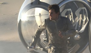 Tom Cruise (Jack Harper) in Oblivion