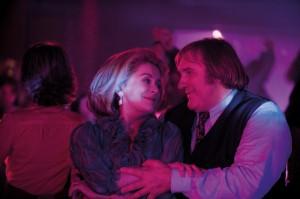 Catherine Deneuve (Suzanne Pujol) en Gérard Depardieu (Maurice Babin) in Potiche