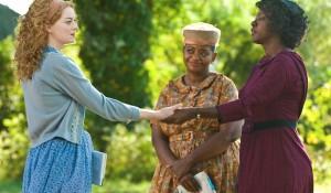 Emma Stone (Eugenia 'Skeeter' Phelan), Octavia Spencer (Minny Jackson) en Viola Davis (Aibileen Clark) in The Help