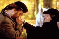 Zal Mr. Brown zijn liefde voor de koninging opgeven? (c) 1997 Cinema 1