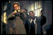 Tim Robbins en Martin Lawrence op wat 'marketing research' uit (c) 1997 Touchstone Pictures