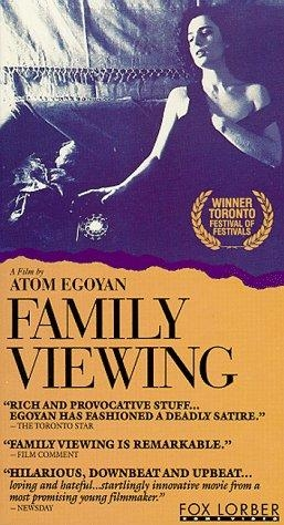 Family Viewing poster, copyright in handen van productiestudio en/of distributeur