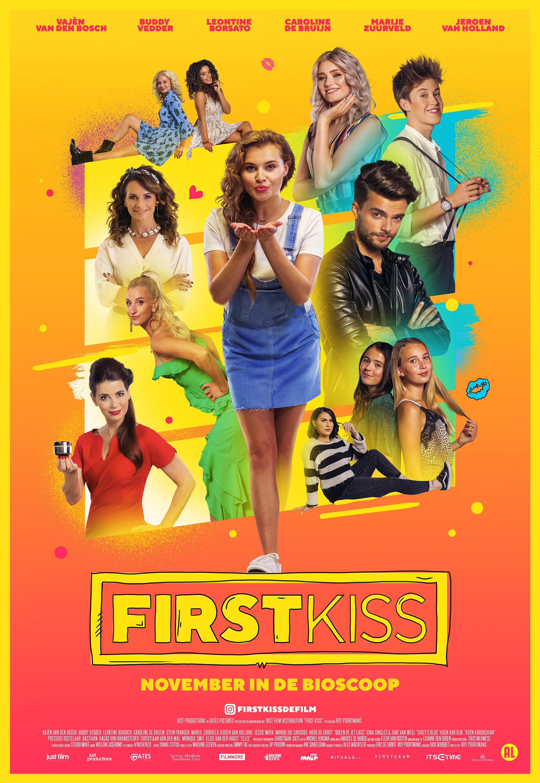 First Kiss poster, copyright in handen van productiestudio en/of distributeur