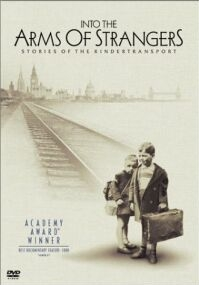 Poster 'Into the Arms of Strangers: Stories of the Kindertransport' (c) 2002 Filmmuseum