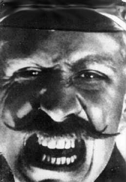 Grigori Aleksandrov als hoofdofficier Giliarovsky © 2000 CineMag.de