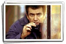 Mel Gibson onderzoekt elke actie van de overheid (c) 1997 Warner Bros.