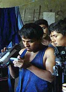 still uit 'La Isla de los Niños Perdidos' © 2003 DocuZone