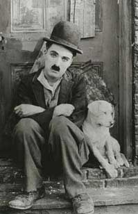 still uit 'Charlie: The Life and Art of Charles Chaplin' © Warner Bros.