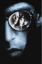 De enige aanwijzing is dat de moordenaar de 'stijl' van andere moordenaars kopieert © 1995 Warner Bros.