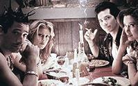 Adrien Brody,Jennifer Esposito, John Leguizamo en Mira Sorvino (c) 1999 Movies.com