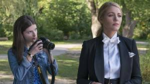 A Simple Favor: Anna Kendrick (Stephanie Smothers) en Blake Lively (Emily Nelson)
