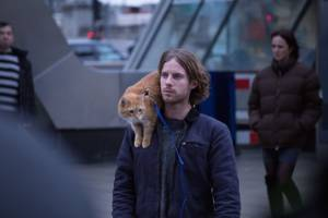 A Street Cat Named Bob: Bob (Street Cat Bob (as)) en Luke Treadaway (James Bowen)