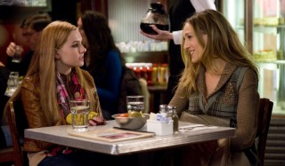 Abigail Breslin en Sarah Jessica Parker in New Year's Eve