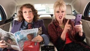 Absolutely Fabulous: The Movie: Jennifer Saunders (Edina Monsoon) en Joanna Lumley (Patsy Stone)