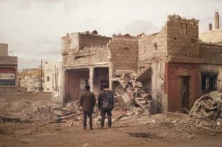 Achmed Akkabi en Walid Benmbarek in Broeders