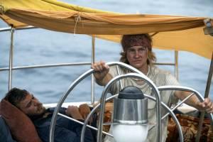Adrift: Sam Claflin (Richard Sharp) en Shailene Woodley (Tami Oldham)