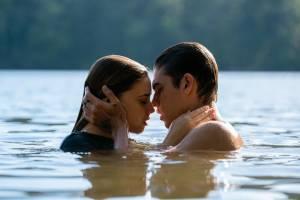 Josephine Langford (Tessa Young) en Hero Fiennes-Tiffin (Hardin Scott)