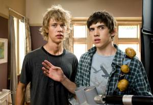 Aliens in the Attic: Carter Jenkins (Tom Pearson) en Austin Robert Butler (Jake Pearson (as Austin Butler))