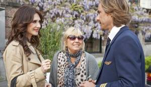 Alles is familie: Carice van Houten (Winnie de Roover), Willeke Alberti (Lucy) en Chris Zegers (Skipper)