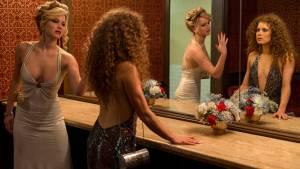 American Hustle: Jennifer Lawrence (Rosalyn Rosenfeld) en Amy Adams (Sydney Prosser)