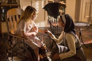 Annabelle: Creation: Talitha Bateman (Actor) en Stephanie Sigman (Sister Charlotte)