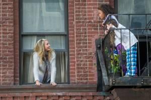 Annie: Cameron Diaz (Miss Hannigan) en Quvenzhané Wallis (Annie)