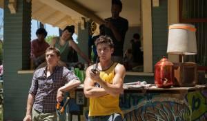 Bad Neighbours: Dave Franco (Pete) en Zac Efron (Teddy Sanders)
