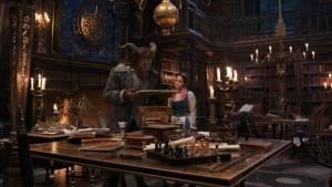 Beauty and the Beast: Dan Stevens (Beast) en Emma Watson (Belle)