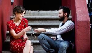 Begin Again: Keira Knightley (Greta) en Adam Levine (Dave)