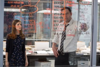 Anna Kendrick en Ben Affleck in The Accountant