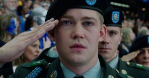 Joe Alwyn (Billy Lynn)