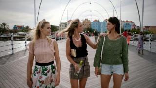 Nicolette van Dam, Nienke Plas en Bo Maerten in F*ck de liefde