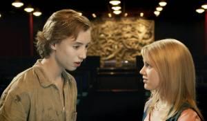 Bobby en de Geestenjagers: Nils Verkooijen (Bobby) en Hanna Obbeek (Sanne)