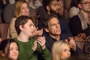 Brad's Status: Austin Abrams (Troy) en Ben Stiller (Brad)