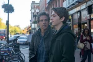 Brad's Status: Ben Stiller (Brad) en Austin Abrams (Troy)