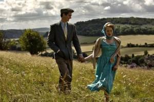 Breathe: Andrew Garfield (Robin Cavendish) en Claire Foy (Diana Cavendish)