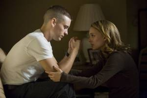 Brothers: Tobey Maguire (Sam Cahill) en Natalie Portman (Grace Cahill)