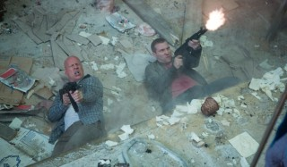 Bruce Willis en Jai Courtney in A Good Day to Die Hard