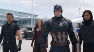 Captain America: Civil War: Jeremy Renner (Clint Barton / Hawkeye), Elizabeth Olsen (Wanda Maximoff / Scarlet Witch), Chris Evans (Steve Rogers / Captain America) en Sebastian Stan (Bucky Barnes / Winter Soldier)