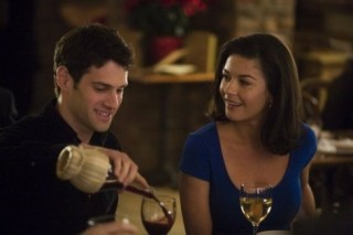 Justin Bartha en Catherine Zeta-Jones in The Rebound
