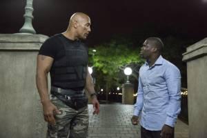 Central Intelligence: Dwayne Johnson (Bob) en Kevin Hart