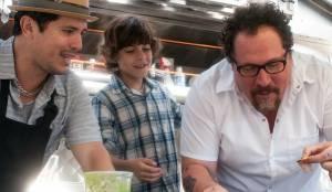 Chef: John Leguizamo (Martin), Emjay Anthony (Percy) en Jon Favreau (Carl Casper)