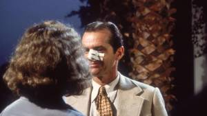 Chinatown: Faye Dunaway (Evelyn Cross Mulwray) en Jack Nicholson (J.J. 'Jake' Gittes)