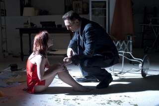 Liam Neeson en Christina Ricci in After.Life