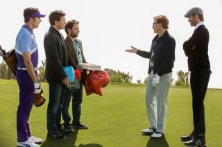 Jason Sudeikis, Jason Bateman, Charlie Day, Christoph Waltz en Chris Pine in Horrible Bosses 2