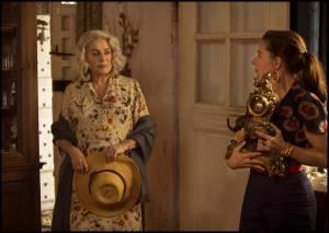 Catherine Deneuve (Claire Darling) en Laure Calamy (Martine Leroy)