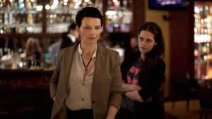 Juliette Binoche (Maria Enders) en Kristen Stewart (Valentine)
